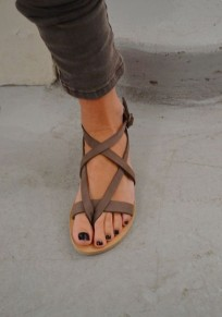 Brown Round Toe Flat Buckle Casual Ankle Sandals