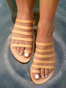Yellow Round Toe Flat Cut Out Fashion Sandals